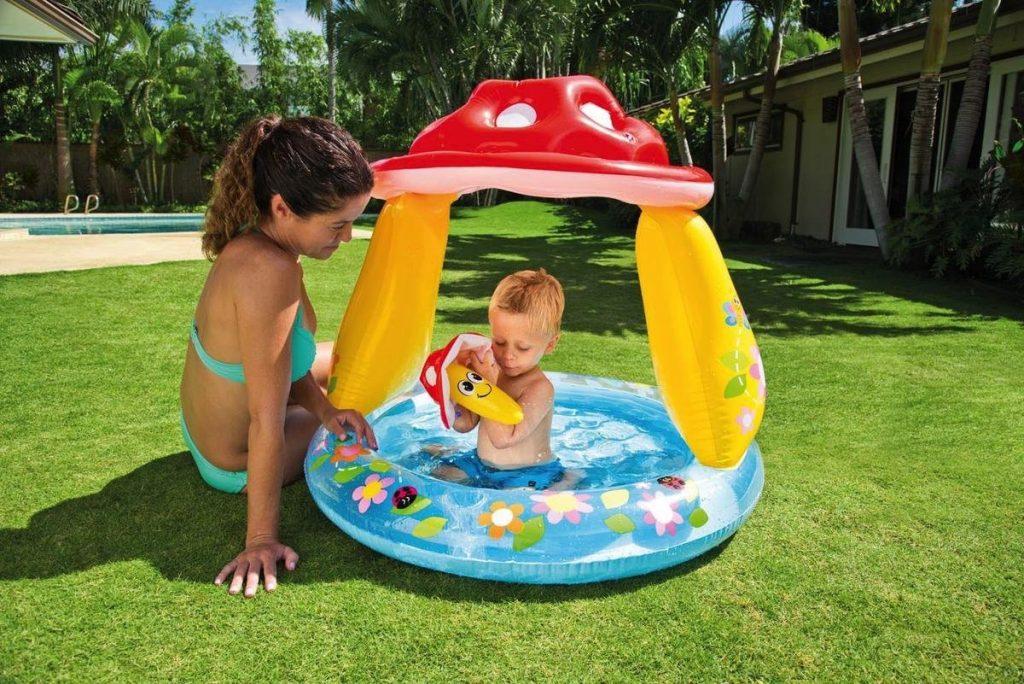 piscina hinchable con parasol