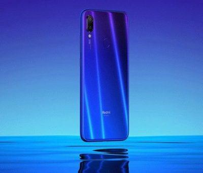 Espeacular diseño con colores más cercanos a lo que nos ofrece Honor que a la línea de Xiaomi.