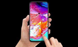 El sensor de huellas bajo la pantalla al mejor precio en este Samsung Galaxy A70