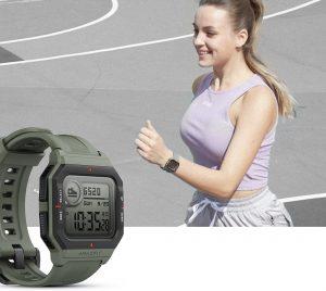Compra ya el Amazfit Neo tan barato como una pulsera de actividad pero con pinta de reloj casio