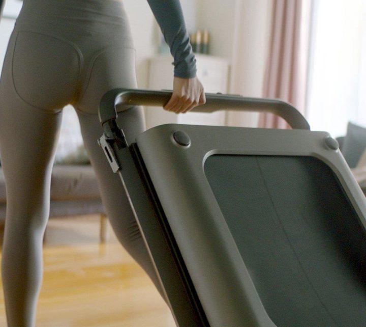 WalkingPad R1 Pro es facil de mover por la casa y se guarda muy fácilmente